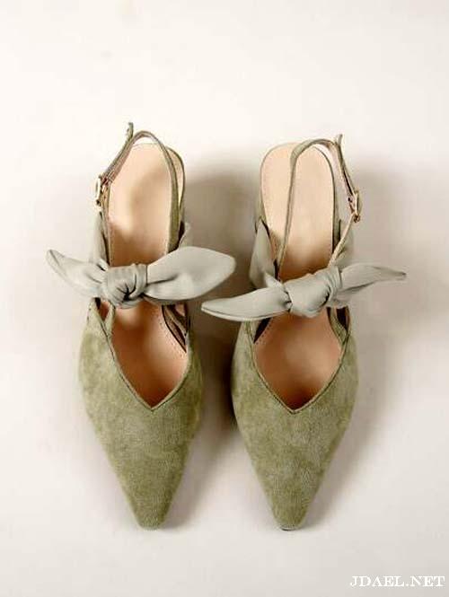 احذية كعب عريض جلد ومخمل