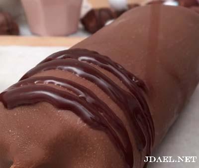 ايسكريم بشوكولاتة Kinder Bueno