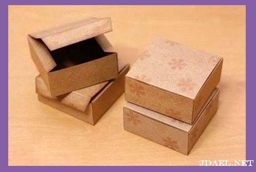 صناعة علب الهدايا من الكرتون والورق بيدك