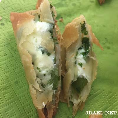 سمبوسة بالتمر سمبوسة بجبنة الكيري حشوات منوعة