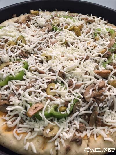 بيتزا بعجينة بيتي تنافس مطاعم البيتزا